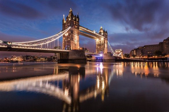 Wikimedia-Tower_Bridge_at_Dawn