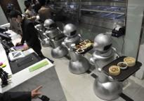 роботы официанты
