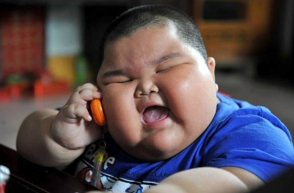 china child without phone;s
