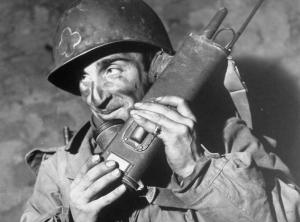Motorola-Smile-Life-soldier-miniature