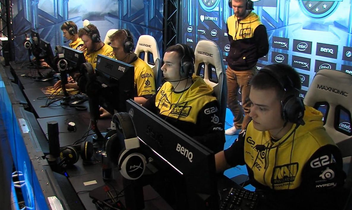 Турнир по Counter Strike Go, российская команда NaVi