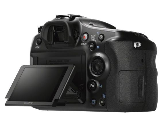 Зеркальная камера Sony SLT-A68. Поворотный экран