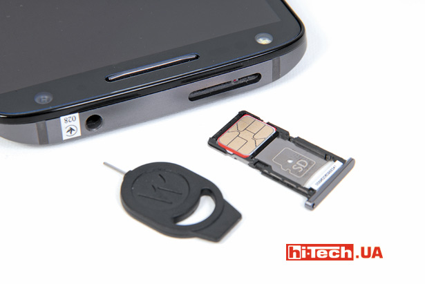 Для установки nanoSim-карты и карты памяти используется единый слот