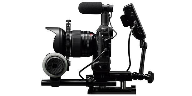 Fujifilm X-T2 с аксессуарами для съемки видео