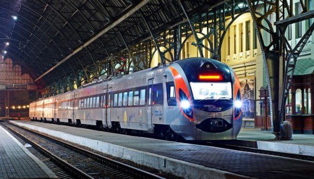 Билеты напоезд можно будет приобрести через мобильный телефон