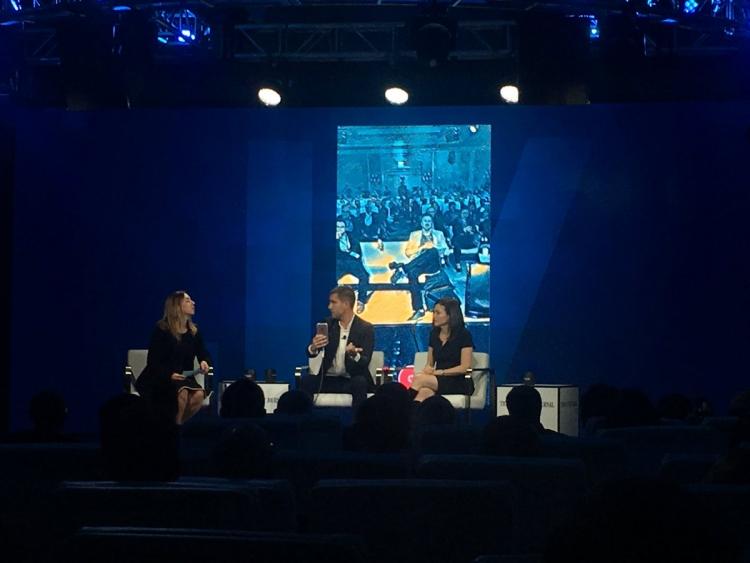 Prisma иGoogle будут соперничать с социальная сеть Facebook вобработке видео— Вызов принят