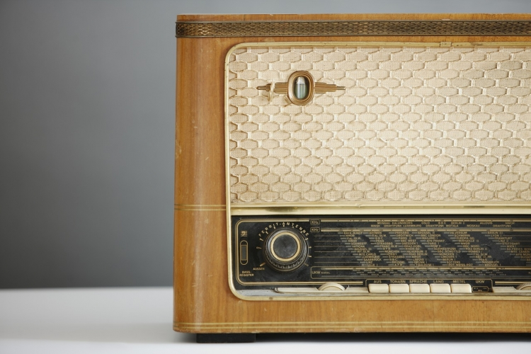 sm-radio-1773304_1280-750