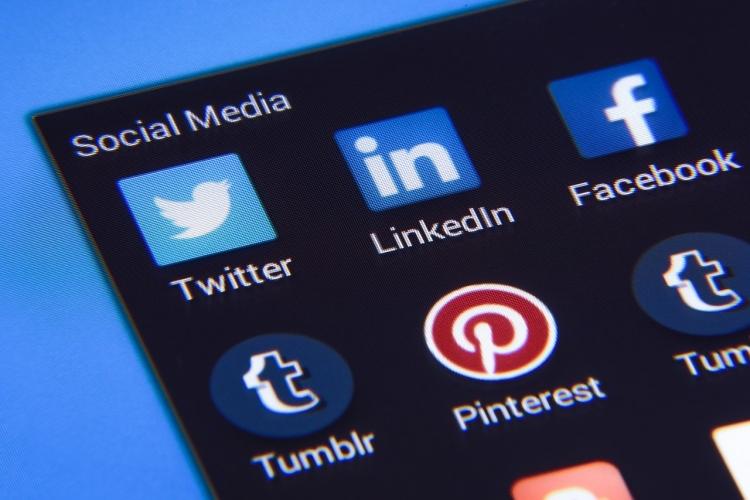 sm.social-media-1795578_1280.750