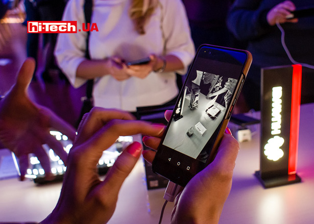 Режим съемки Ч/Б в Huawei P10 и P10 Plus уникален тем, что смартфоны имеют дополнительную камеру с сенсором без цветных светофильтров