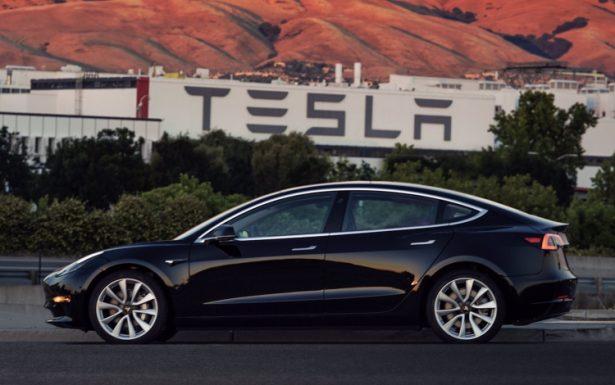 Tesla увеличит количество техцентров перед выходом Model 3