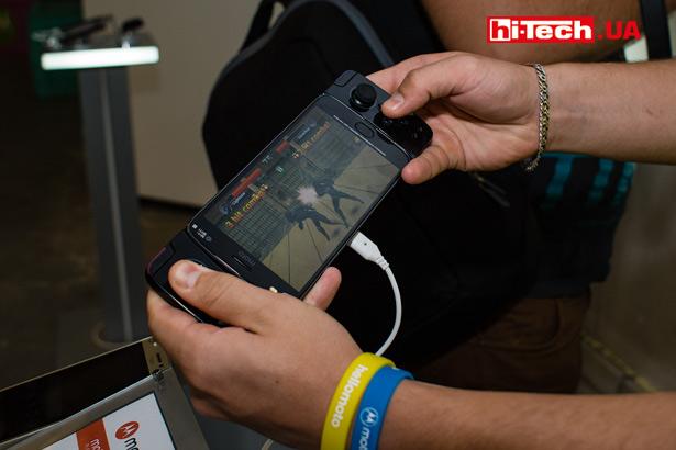 Moto Z2 Play + Moto GamePad