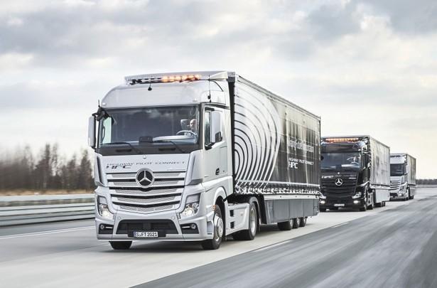 Daimler Trucks platooning 1