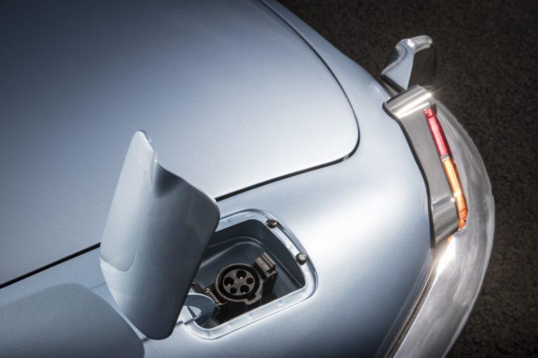 Ягуар представил концепт-кар беспилотного электромобиля будущего