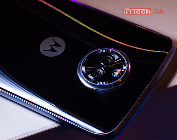 Камера Moto X4