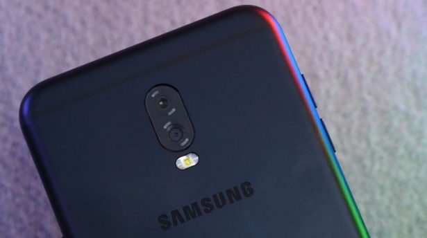 Samsuing Galaxy C8 3