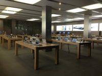 Фото пользователей из социальных сетей: магазины Apple Store в период начала продаж iPhone 8