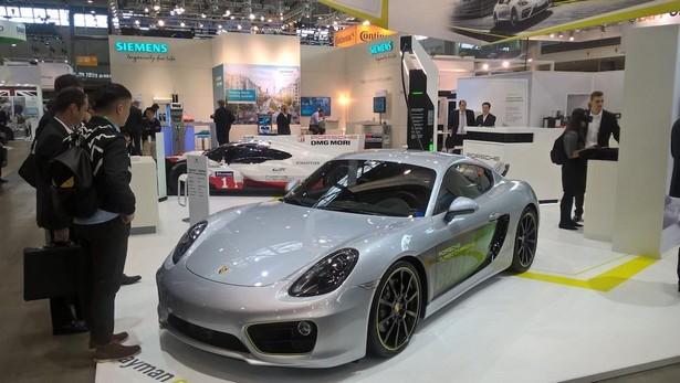 Porsche Cayman electro
