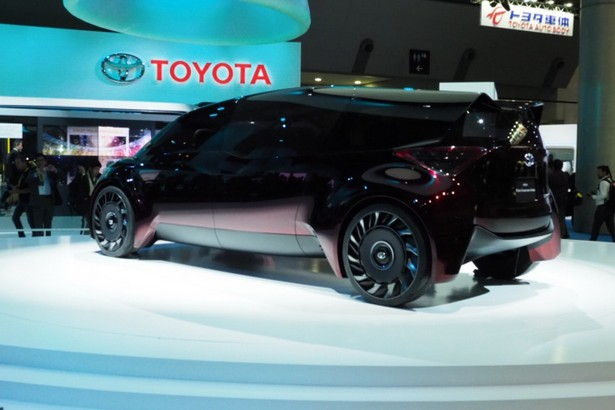 Toyota co2 ban 2040