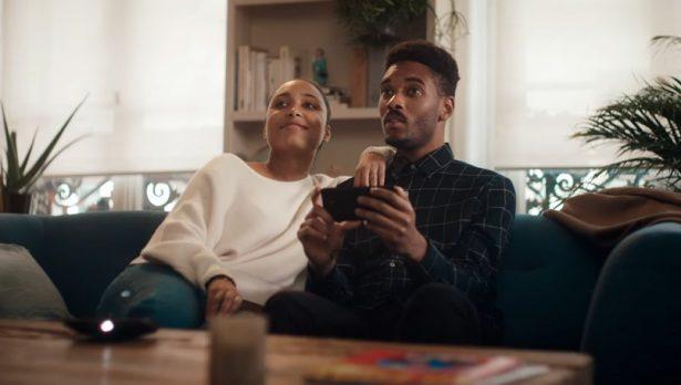 Motorola подшутила над Самсунг вновом рекламном ролике
