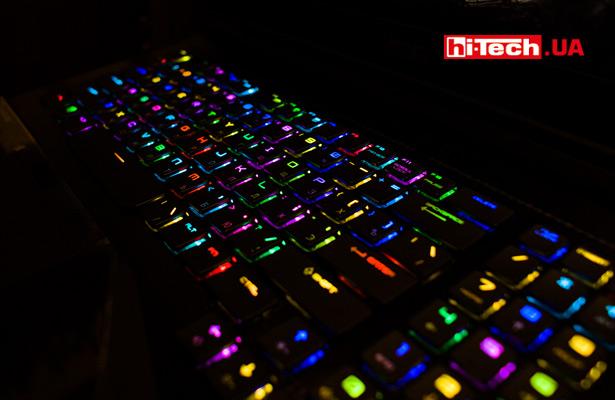 Продвинутые игровые ноутбуки сегодня оснащают очень крутой программируемой RBG-подсветкой