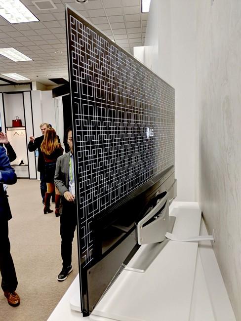 LG Crystal Sound OLED 2
