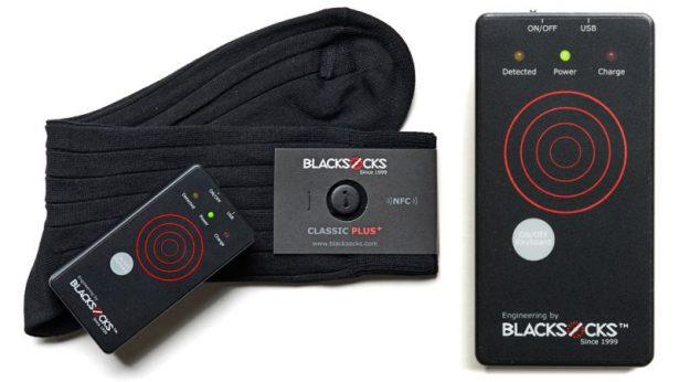 """По виду """"умные"""" носки Blacksocks отличаются только небольшой пуговицей"""