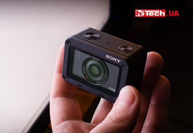 Компактная камера Sony DSC-RX0