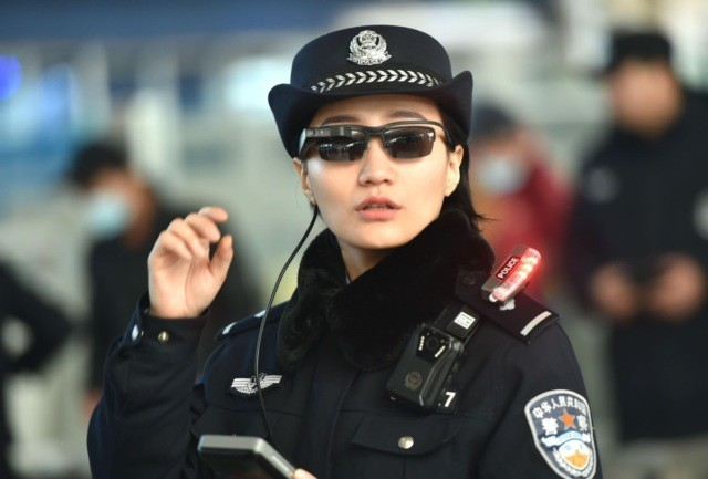 police glasses identify 1
