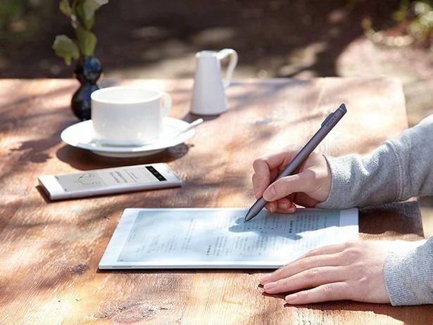 Планшет Сони  Digital Paper— сейчас  с10.3-дюймовым дисплеем  EInk