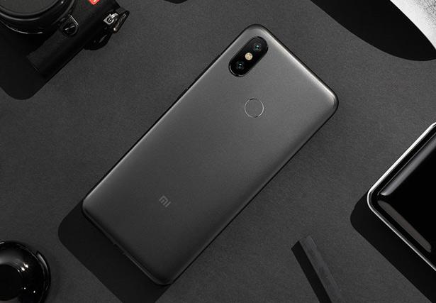 Черный Черный Xiaomi Mi 6X (Mi A2)