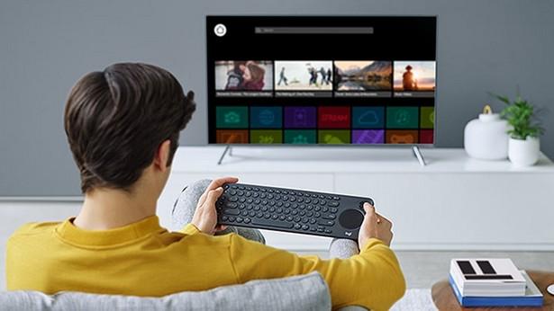 Logitech K600 TV Keyboard 1