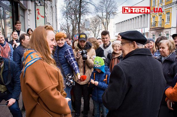 Борис Николаевич Малиновский на открытии памятника «Киевский компьютер»