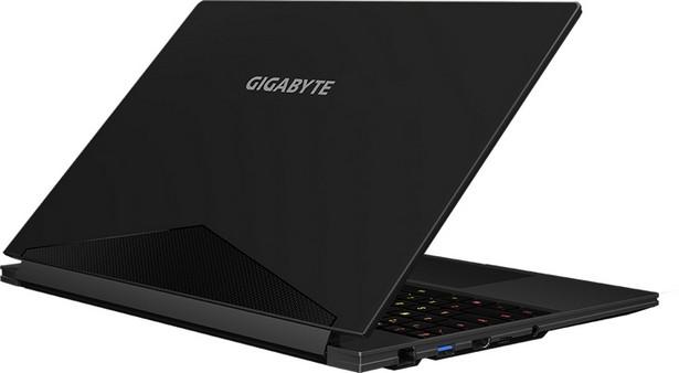 GigabyteAero 15 Classic