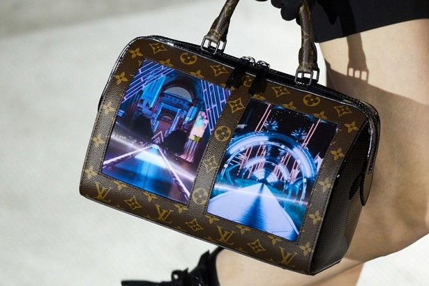 Louis Vuitton bag screen