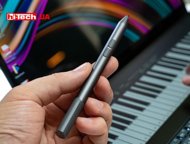 Подставка под запястье и стилус поставляется в комплекте с ASUS ZenBook Pro Duo