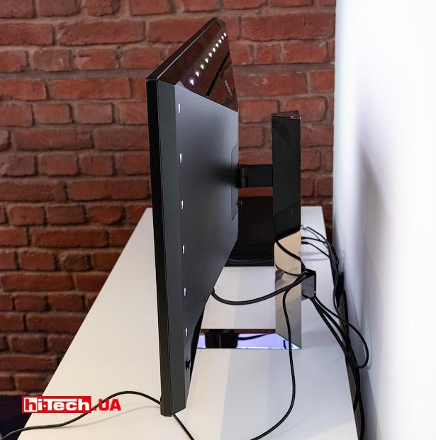 Philips Momentum 328M1R с подсветкой Ambiglow