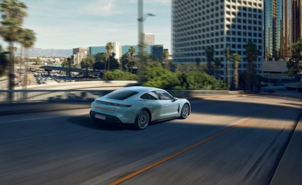 Porsche город
