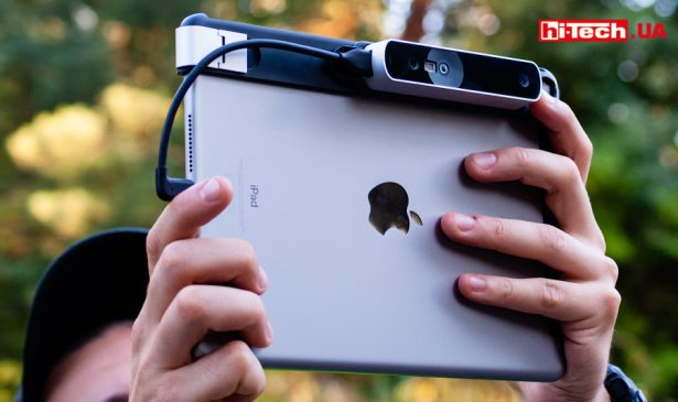 Occipital Structure Sensor, закрепленный на iPad