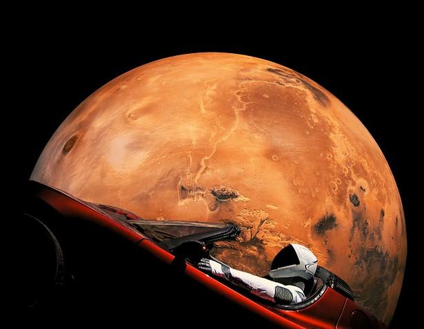 Tesla Roadster Starman near Mars
