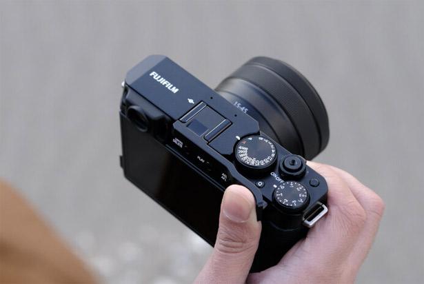 Fujifilm X-E4 с аксессуаром TR-XE4