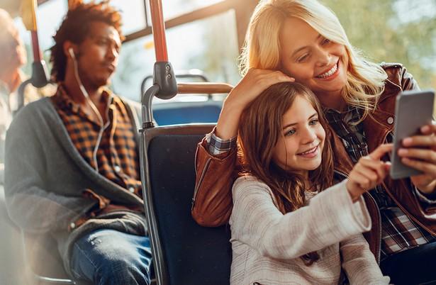public transport wi-fi internet smartphone