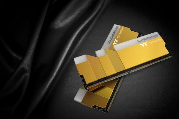 Thermaltake ToughRAM RGB Metallic Gold DDR4