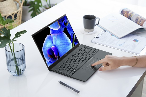 ASUS ZenBook OLED