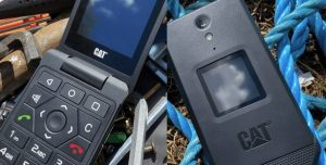 Cat S22 Flip  смартфон-раскладушка с защитой IP68 и MIL-SPEC-810GH, но с унылым процессором Snapdragon 215